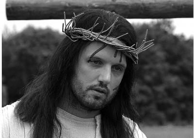 JCS lowres1 Jesus crown2 BW